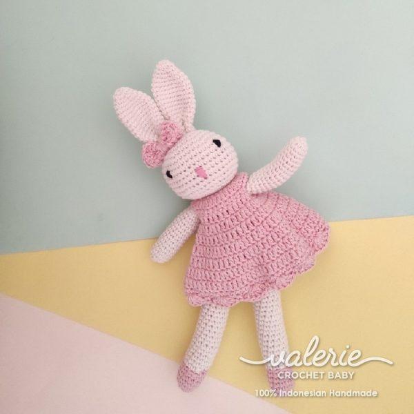 Boneka Rajut Cheerful Bunny - Valerie Crochet