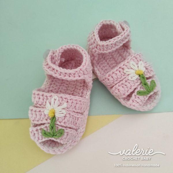 Sepatu Rajut White Daisy- Valerie Crochet
