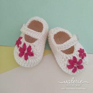 Sepatu Rajut Red Daisy- Valerie Crochet