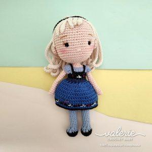 Boneka Rajut Princess Elsa - Valerie_Crochet