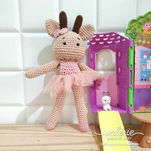 Boneka Rajut Weele the Buffalo - Valerie Crochet