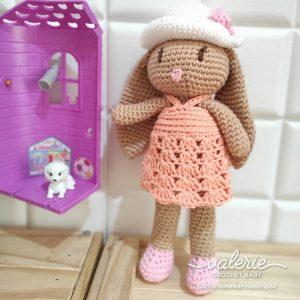 Boneka Rajut Naomi Bunny - Valerie Crochet