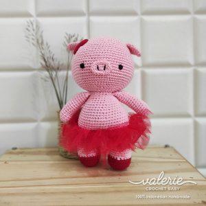 Boneka Rajut Piggy Dancer- Valerie Crochet