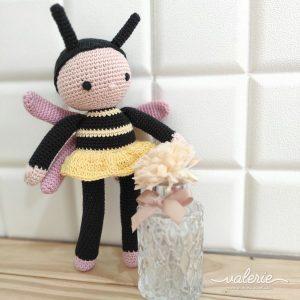 Boneka Rajut Colin the Bee - Valerie Crochet